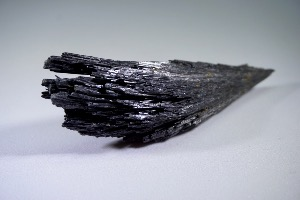 Black Kyanite (No.144)