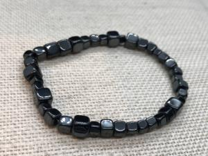 Hematite -  Cube chip bead bracelet (Selected)