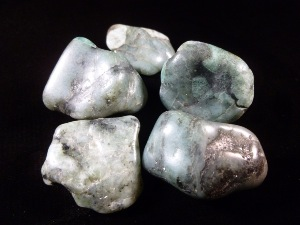 Emerald  - Rough Tumbled Stone