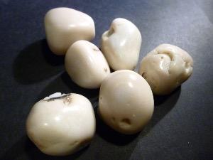 Magnesite White Smooth Tumbled Stone