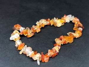Carnelian -  Gemstone chip bead bracelet (Selected)