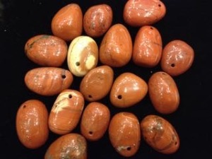 Drilled - Red Jasper - tumbled stone