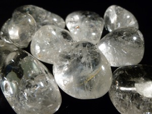 Quartz - Clear - 2 to 3cm, weight 8.5g to 14g - Tumble Stone