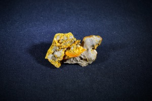Wulfenite from Jianshan Mine, Ruoqiang County, Xinjiang Autonomous Region, China (No.146)