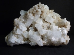 Zeolite Group of Phillipsite & Chabazite (No.83)