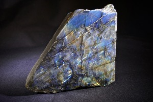 Labradorite (half polished/half rough) from Madagascar (No.87)