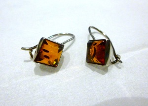 Honey Amber - Sterling Silver 'Hook and lock' Earrings