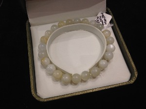 Moonstone - 8mm Round Beads - Elasticated Bracelet
