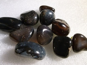 Onyx - Black - 0.5 to 1.5cm, Weight 2g to 4g Tumbled Stone