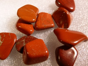 Jasper - Red  - 1 cm - Tumbled Stone