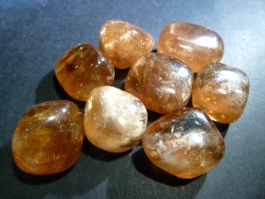 Calcite - Honey - Tumbled stone