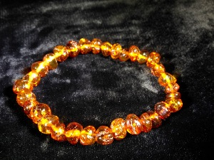 Honey Baltic Amber elasticated bead bracelet ( No.3)