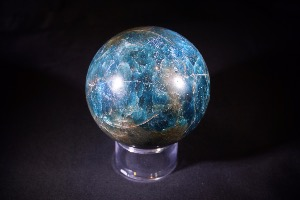 Apatite Sphere (No.646)