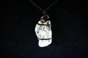 Moss Agate Hand Wired Pendant (No.759)