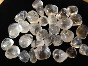 Quartz - Rock Crystal - Tumble Stone - 1 to 2 cm