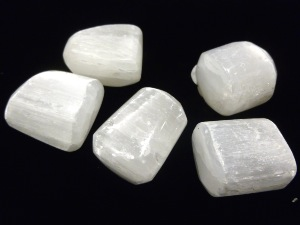 Selenite - 3 to 4 cm x 2 to 3 cm Tumbled Stone